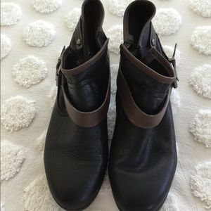 BCBGeneration leather ankle boots.NWOT. 10M